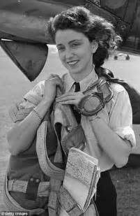 first woman to form australian women s pilot association www crash aerien aero les avions c est beau les filles