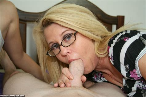 Mommy Loves To Suck Big Cock Porn Pics And Moveis