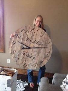 1000 ideas about Pallet Clock on Pinterest