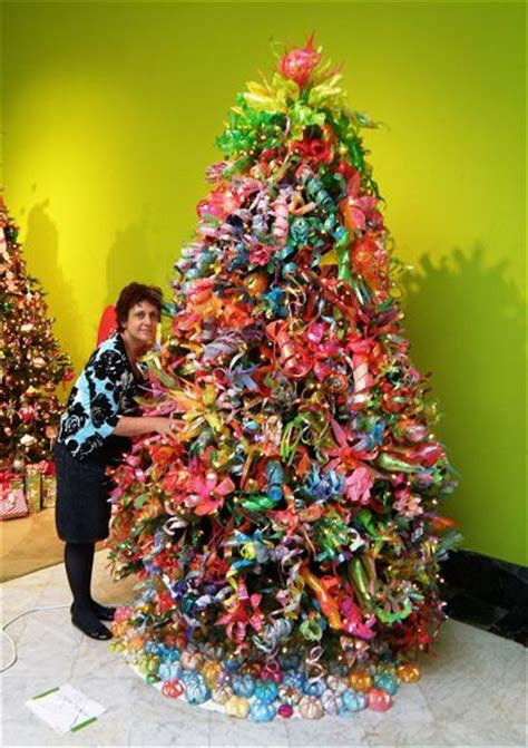 a christmas tree made entirely out of plastic bottles diy recycle plastic creations