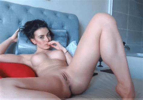 Wet Dark Gal Goes Squeamish Bounce Facing Selfshot
