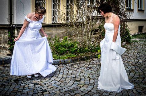 Ritual Abschied Und Neubeginn by Scheidungsfotograf Abschied Der Beziehung Neubeginn