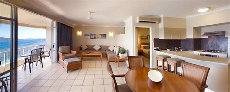 Deluxe Coral Sea View Apartments   Accommodation