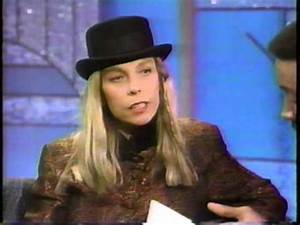 """Rickie Lee Jones performs """"The Last Chance Texaco"""" live at ..."""