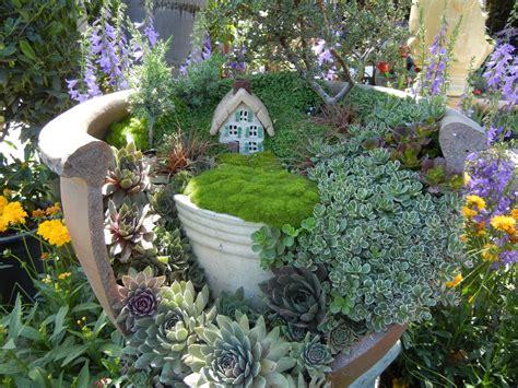 Who Loves Fairy Gardens?