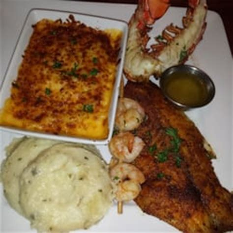 lobster mac and cheese at ruby tuesday lobster house