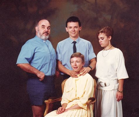Funny Picture Humor: Funny Awkward Family Pics
