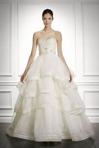 Carolina herrera wedding dresses prices di candia fashion for Carolina herrera wedding dress price