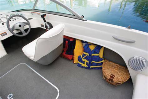 boat interior fabric bayliner 175 ease of entry boats 1750