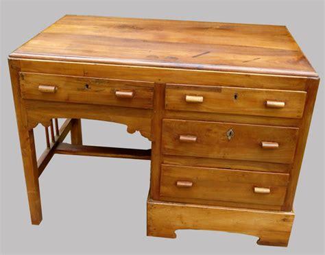 petit bureau ancien petit bureau ancien en teck originaire de l 39 inde