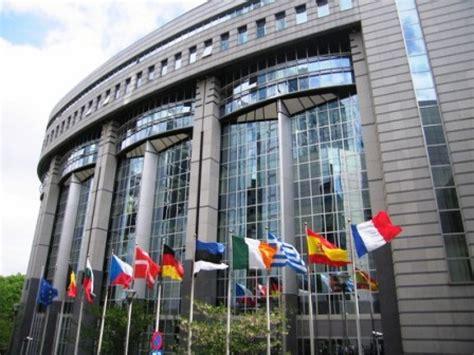 parlamento europeo sede bruxelles diputados cubanos visitan sede de parlamento europeo en