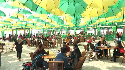 ribuan payung spot foto   ancol  instagramable