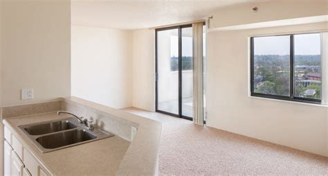 skyrise elderly apartments  hinman company