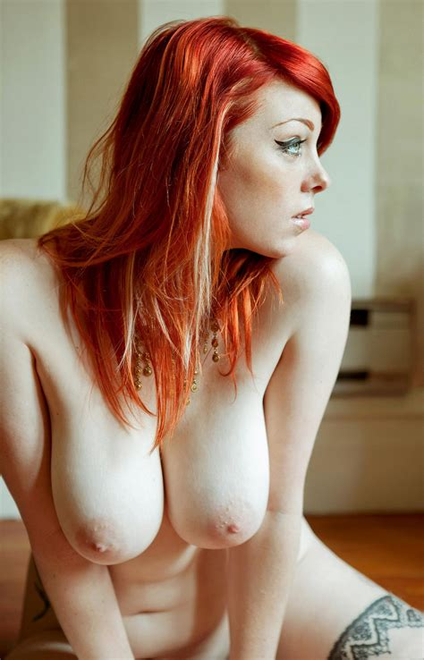 Sweet Redhead Babe Shows Off Her Tits Cumsutra