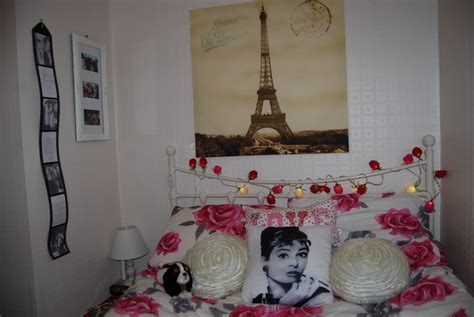 Bedroom Design: Gorgeous Paris Themed Bedroom For Teenage