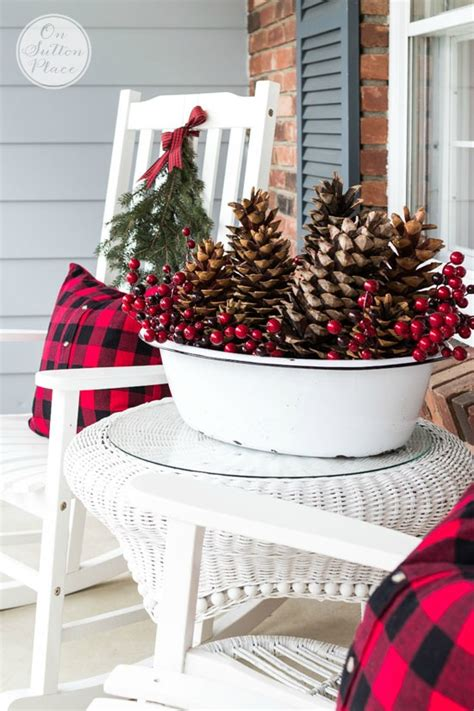 pinecone decor 55 awesome outdoor and indoor pinecone decorations for christmas digsdigs