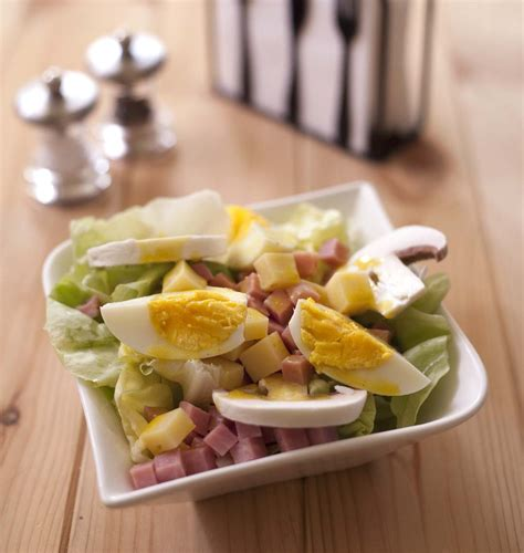 cuisine plat salade parisienne jambon chignons emmental oeufs durs