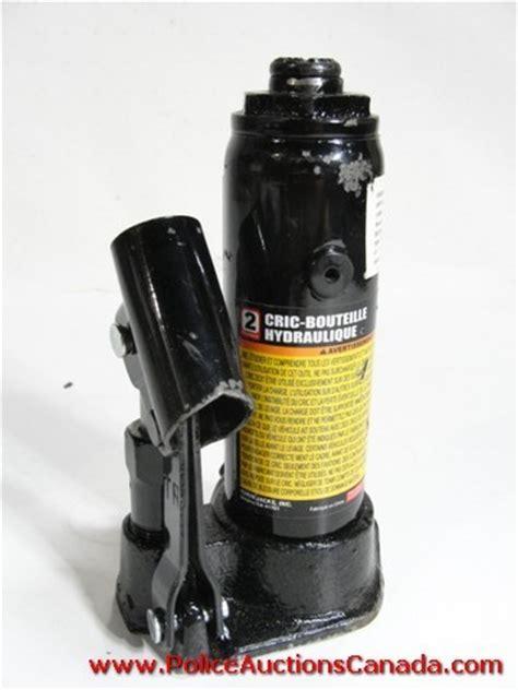 Police Auctions Canada  Torin Black Jack 2 Ton Hydraulic