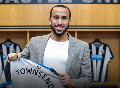 Everton vs Newcastle team news: Andros Townsend starts for ...