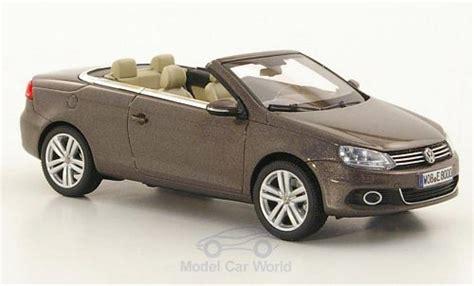 Vw Eos 2011 by Volkswagen Eos 1 43 Kyosho Metallic Marron 2011 Voiture