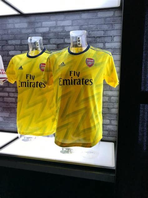 hugely anticipated arsenal  kit  finally  revealed