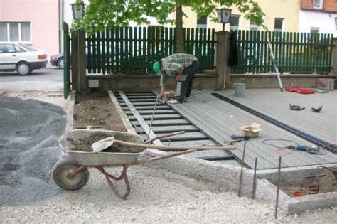 aufbau wpc terrasse wpc holzterrasse bauanleitung 03 unterbau einer wpc terrasse im biergarten