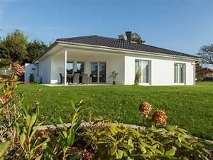 Fertighaus Preise Schlüsselfertig : bungalow 130 zimmermann haus ~ Markanthonyermac.com Haus und Dekorationen