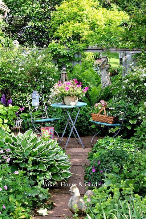 garden lush garden cottage garden