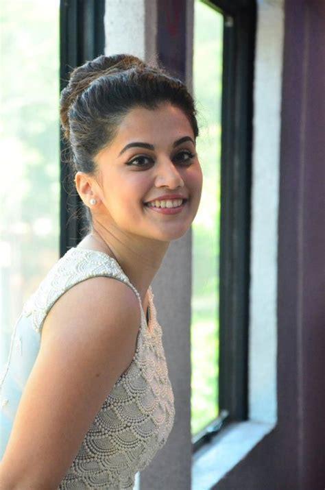 kanchana returns actress pic taapsee pannu hot pics taapseepannuhot