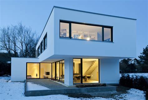 Moderne Puristische Häuser by Beton Erobert Einfamilienhaus Architecture Bauhaus And