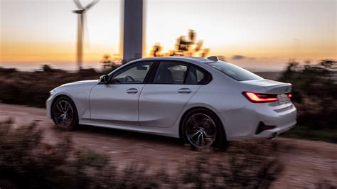 bmw in hybrid 2020 2020 bmw 330e in hybrid debuts with xtraboost feature