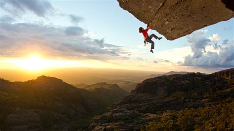 Insane Rock Climbing Photos That Seem Defy The Laws