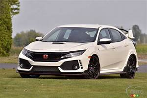 Honda Civic 9 Type R : road test of the 2017 honda civic type r car reviews auto123 ~ Melissatoandfro.com Idées de Décoration
