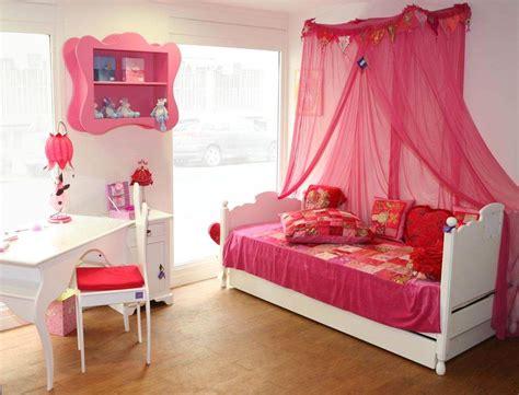 tapisserie chambre bébé garçon aménager une chambre pour enfant