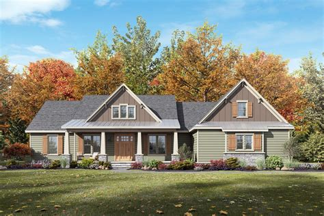 bedroom craftsman influenced farmhouse plan  vaulted great room sm architectural