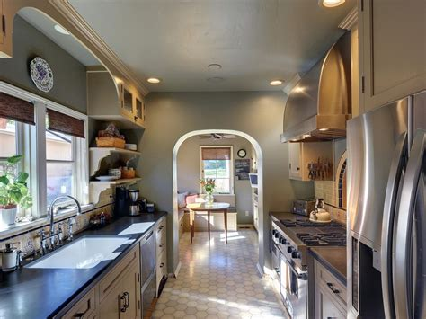 galley kitchen ideas steps  plan  set  galley