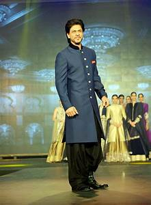 Shahrukh Khan - Bollywood - Actors Wallpapers Download ...