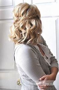 Fetching Medium Length Hairstyles and Cuts for Stylish Females HairzStyle Com : HairzStyle