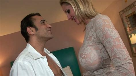 Gorgeous Busty Milf Zoe Gets Her Anus Polished Anysex