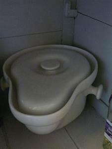 Pot De Chambre Gifi : pot de chambre ancien avec couvercle manque la anse en ~ Dailycaller-alerts.com Idées de Décoration