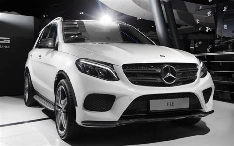 The new gle has a wealth of innovations. Mercedes GLE-Class Wagon W166 Carbon Fiber parts