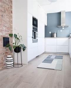 les 25 meilleures idees de la categorie murs de briques With kitchen colors with white cabinets with papier peint effet brique