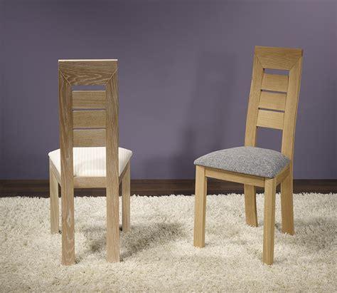 chaise chene massif chaise mathis en chêne massif ligne contemporaine meuble