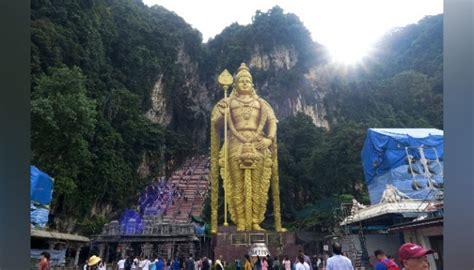 mengunjungi patung emas dewa murugan raksasa  malaysia