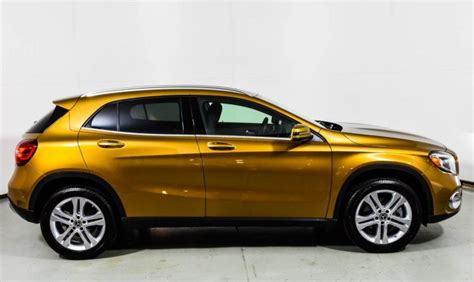 Bucking the industry trend, the gla crossover was outsold by its cla sedan sibling in 2016, albeit by only a few hundred units. 2018 Mercedes-Benz GLA 250 4MATIC SUV | Canyon Beige Metallic U15422