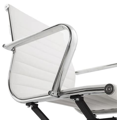 chaise de bureau design blanche chaise de bureau design giga blanc fauteuil de bureau