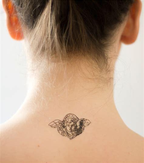 tatouage femme nuque ailes d ange nuque fashion
