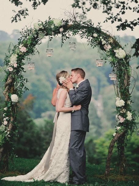 10 Breathtaking Backdrops For Your Wedding Rustic