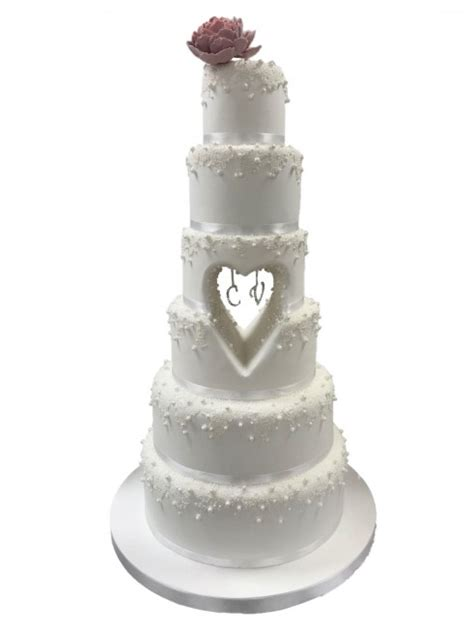 cut  heart wedding cake