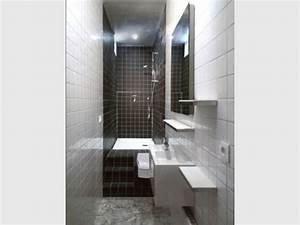 Salle De Bain Etroite : une vraie salle de bains am nag e dans 3m2 ~ Melissatoandfro.com Idées de Décoration